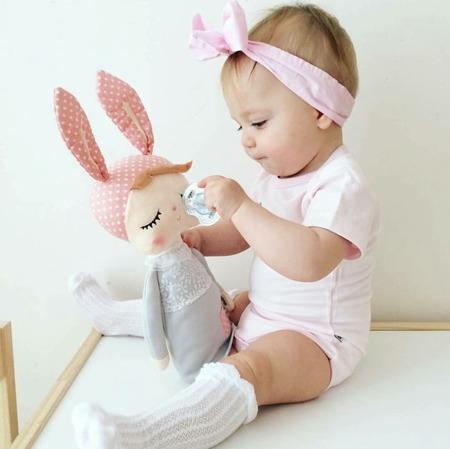 Lalka Metoo Personalizowana Uszatka w Szarej Sukience